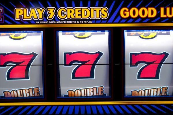 Бесплатные онлайн игровые автоматы heroes realm рулетки онлайн чат девушки бесплатно